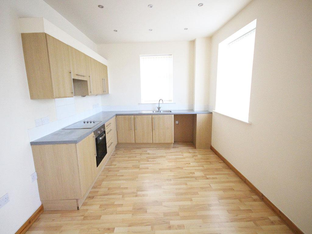 2 bedroom apartment To Let in Colne - IMG_3427.jpg